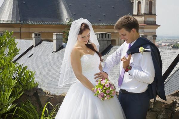 できちゃった婚(授かり婚)での結婚式を恥ずかしいと思う理由とは?
