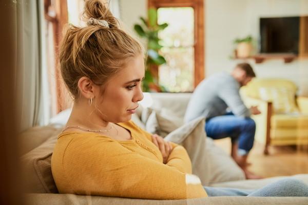 結婚生活が辛い!結婚生活がつまらない・楽しくないと感じる原因と対処法を紹介