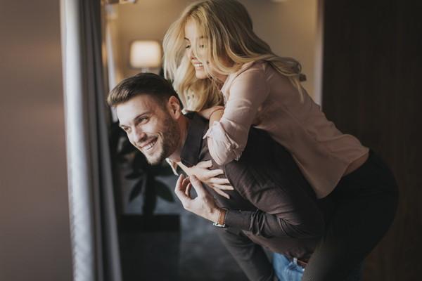 交際期間が長いと結婚はうまくいく?交際期間は幸せな結婚に影響するのか